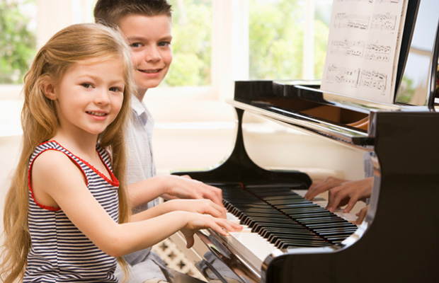 The Many Benefits of Piano Lessons for Children