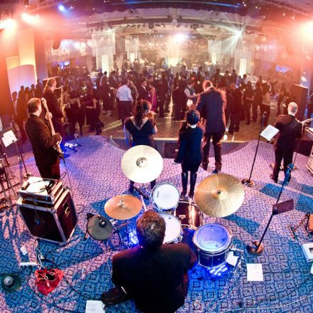 Six Tips to Help you when Hiring a Wedding Band
